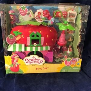 Strawberry Shortcake Berry Cafe, new, complete set